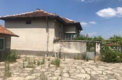Двуетажна къща в с. Крепост, обл. Хасково