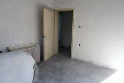 Триетажна тухлена къща в кв.,, Веселчане ,,