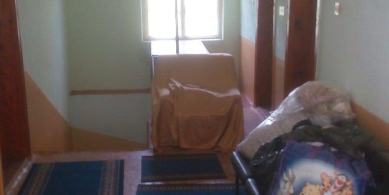 Коридор(2 етаж- 2 снимка)
