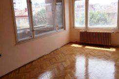Тристаен апартамент в Центъра на гр.Хасково
