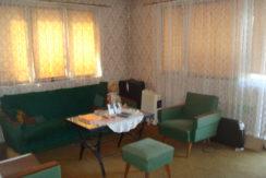 Тристаен тухлен апартамент в район ПАЗАРА