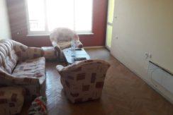 Тристаен тухлен апартамент в кв. Овчарски