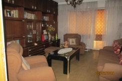 Тристаен панелен апартамент в кв. Тракийски