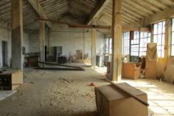Складова база и поземлен имот в град Хасково