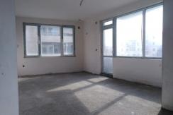 Тристаен монолитен апартамент в кв.Южен, гр.Пловдив