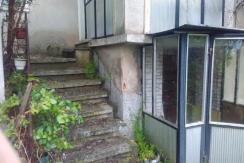 Двуетажна къща в град Брезово, област Пловдив