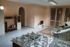Многостаен монолитен апартамент в Широк център, град Пловдив
