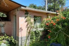 Едноетажна къща с двор в с. Градина, област Пловдив, община Първомай
